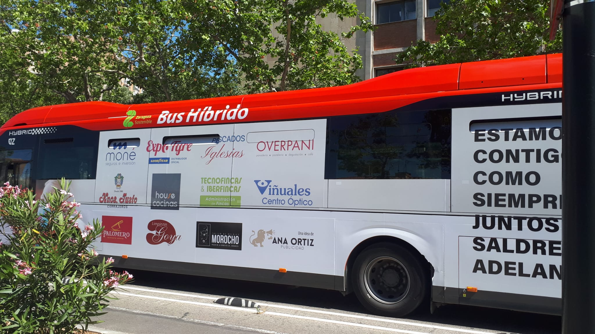 Autobus Integral Zaragoza lateral conductor
